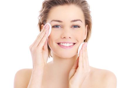 Quel démaquillant utiliser en fonction de votre type de peau ?